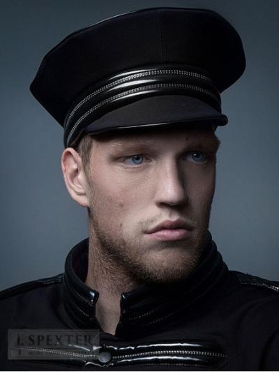 Tatjana Warnecke CAP - schwarz/matt